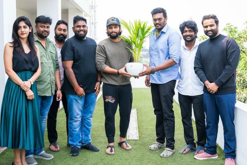 Allu Arjun appreciates Colour Photo unit members for their success
