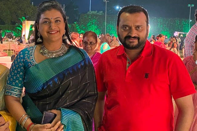 Bandla Ganesh tweets that he has met Roja after a long time