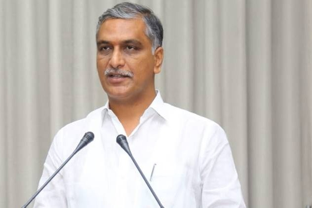Harish Rao Said AP CM YS Jagan Bow to Center