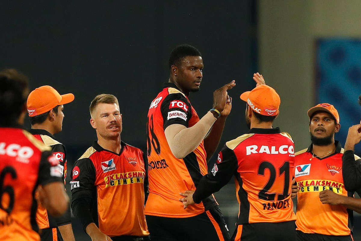 Sunrisers Hyderabad bowlers restricts Rajasthan batsmen