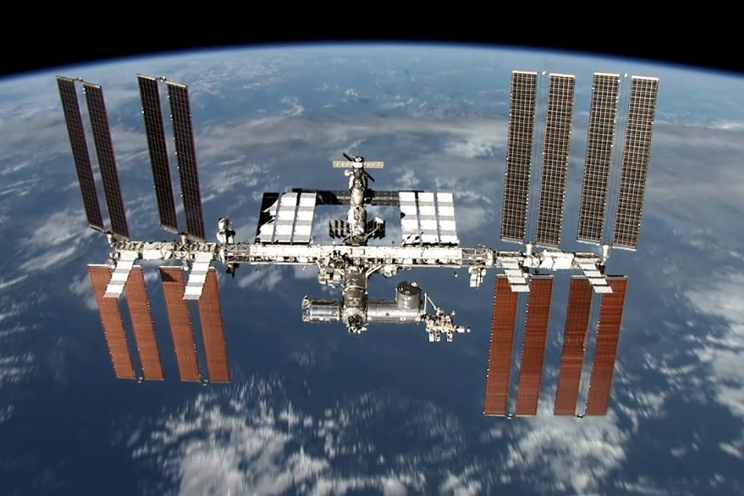 International space station moves to avoid collision with debris