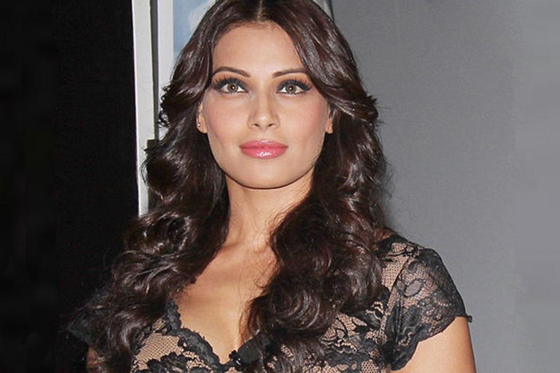 Actors are more vulnerable to Corona says Bipasha Basu