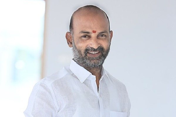 Bandi Sanjay slams TRS government in the wake of new agriculture bill