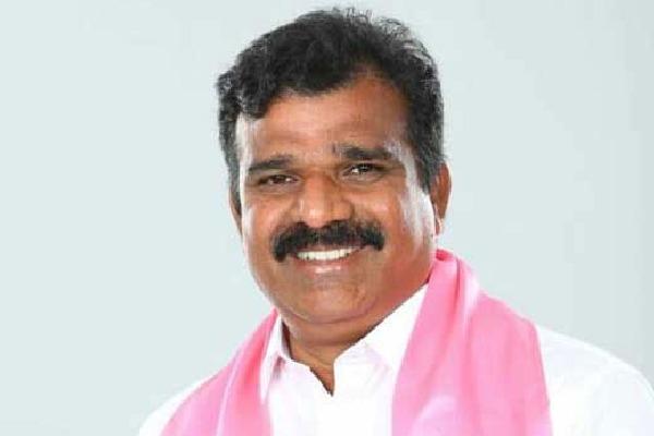 Andole TRS MLA Kranthi Kiran slams TRS Worker