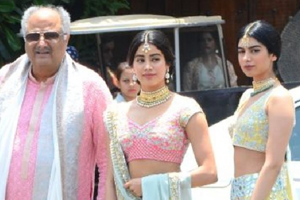 Boney Kapoor and daughters Janhvi and Khushis quarantine ends