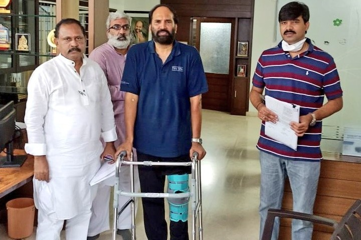 Telangana Congress Chief Uttam Kumar Reddy injured