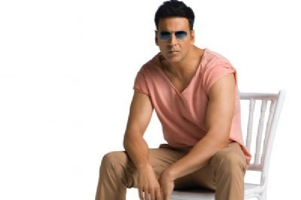 Akshay Kumar sends 500 Crore Defamation Notice To YouTuber