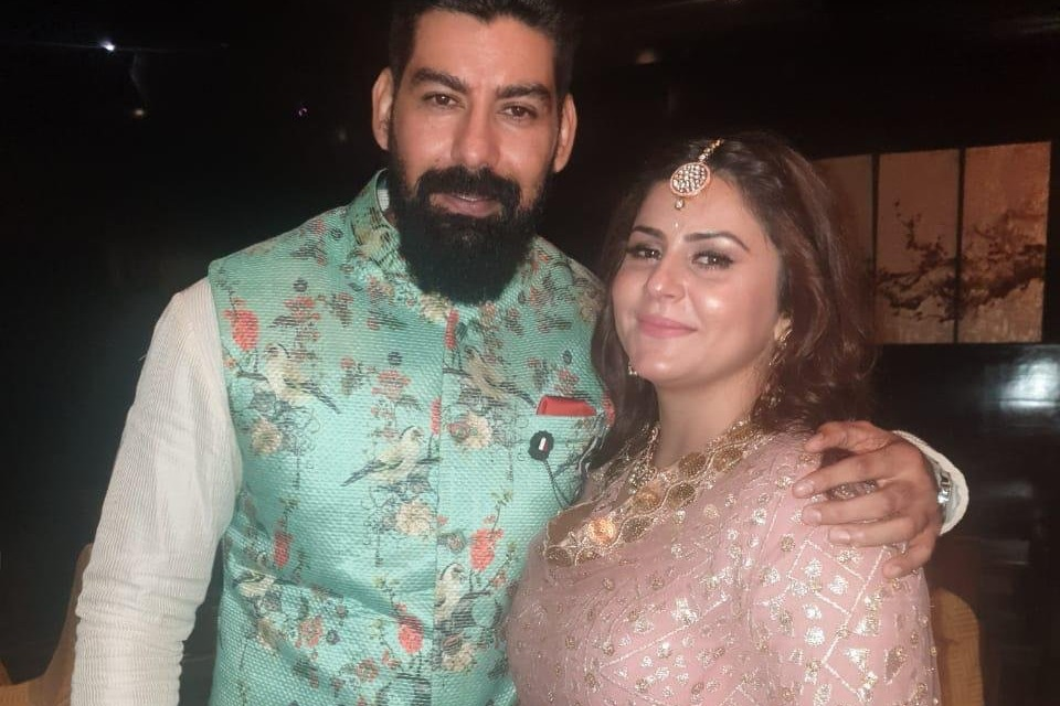 Villain Kabir to marry his lover singer Dolly Singh