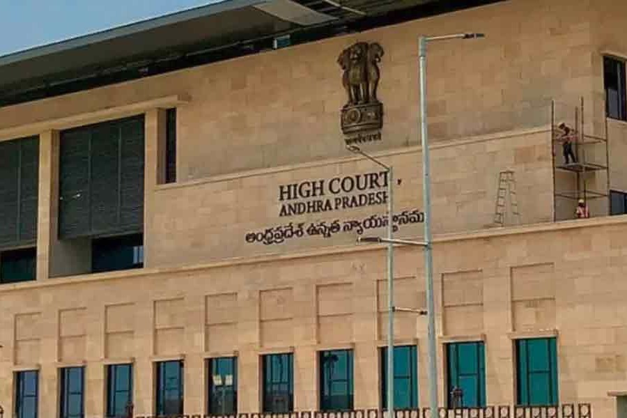 AP govt files petition in HC on local body elections issue