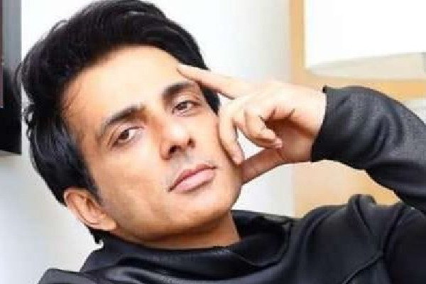 Sonu Sood to play kea role in Chiranjeevi movie
