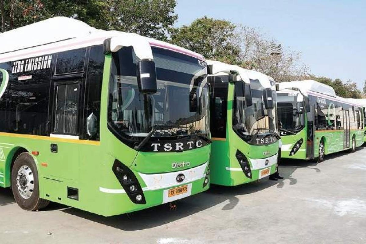 TSRTC announce 3000 special buses for festival