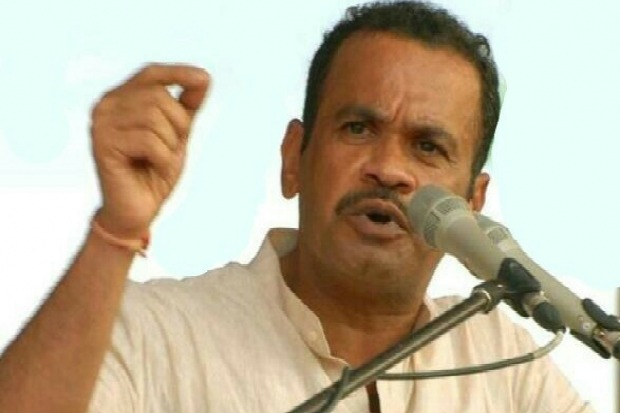 Komatireddy slams KCR and government