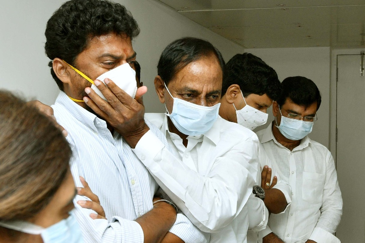 CM KCR visits Nayini Narsimha Reddy who suffering with severe illness