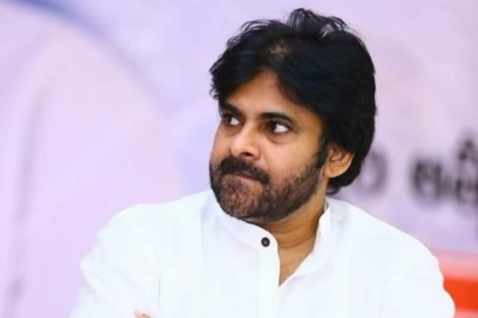 Pawan Kalyan to play lecturer role in his next