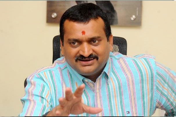 wont be join any political party says Bandla Ganesh