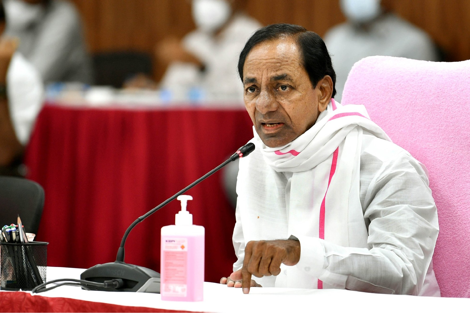 CM KCR alerts officials and people in the wake of weather forecast