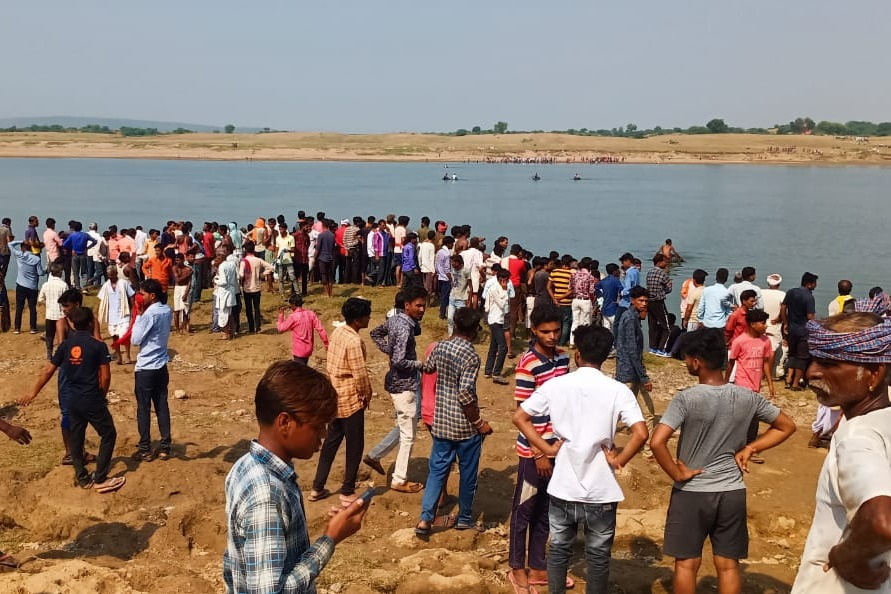 Boat travels with devotees capsized in Chambal River