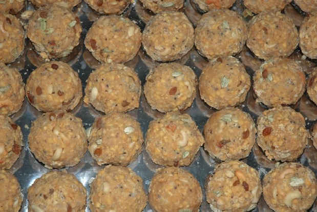 Lakhs of Laddus sold in just three hours