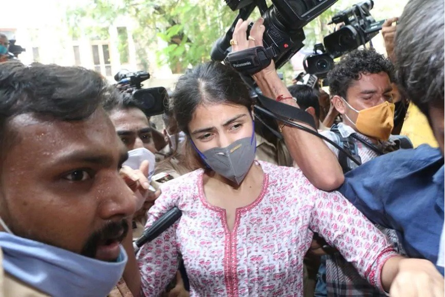 NCB to Give Notices to Deepika Rakul Sara in Drugs Case