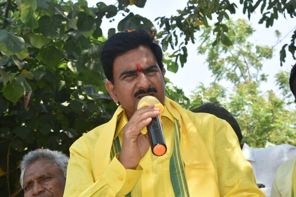 Devineni Uma fires on Kodali Nani and CM Jagan