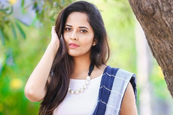 Anasuya gives nod for Malayalam movie