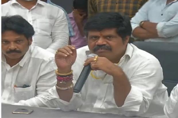 AP Ministers slams Chandrababu