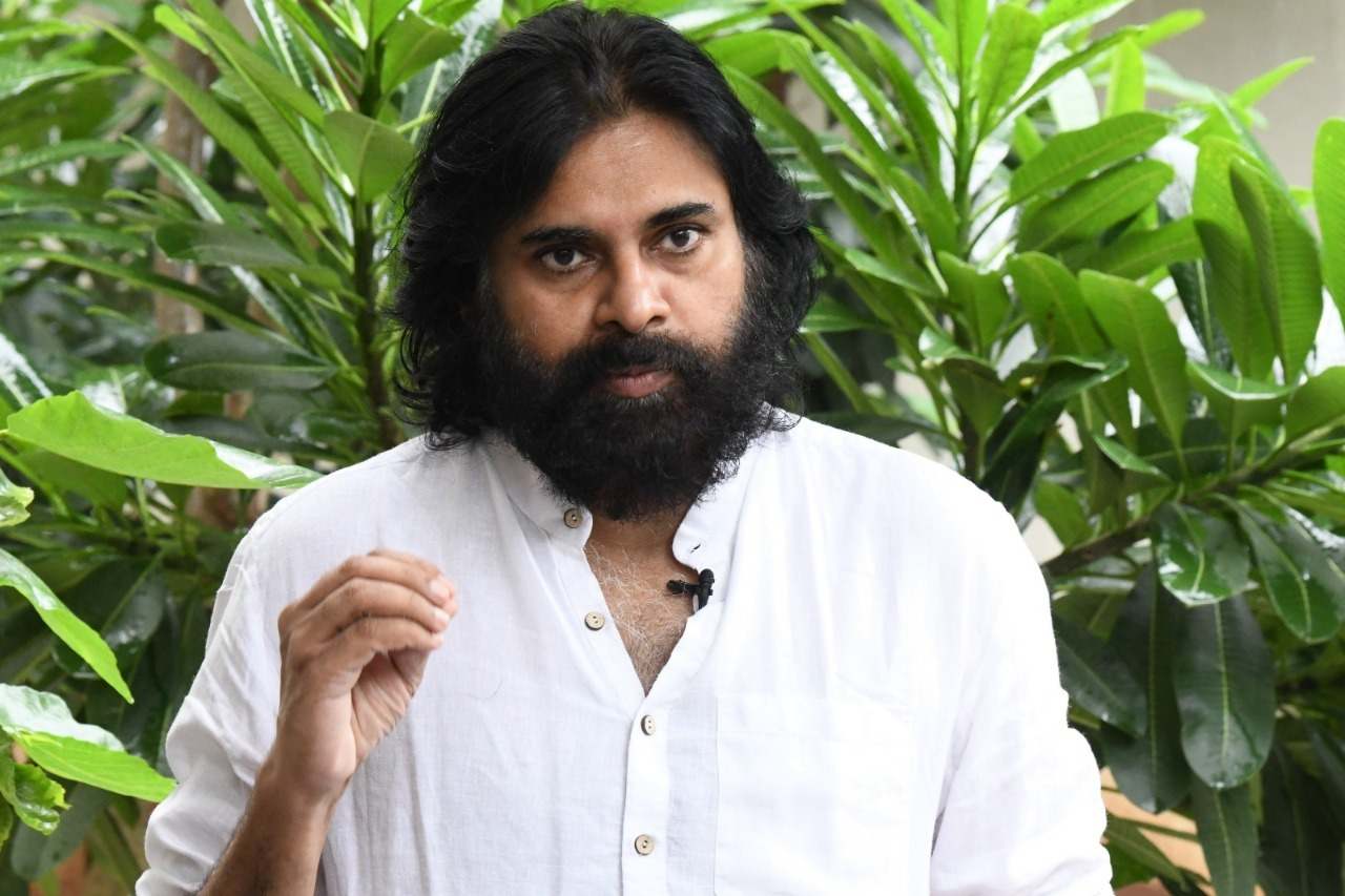 Pawan says he will meet Kapu Sankshema Sena leaders