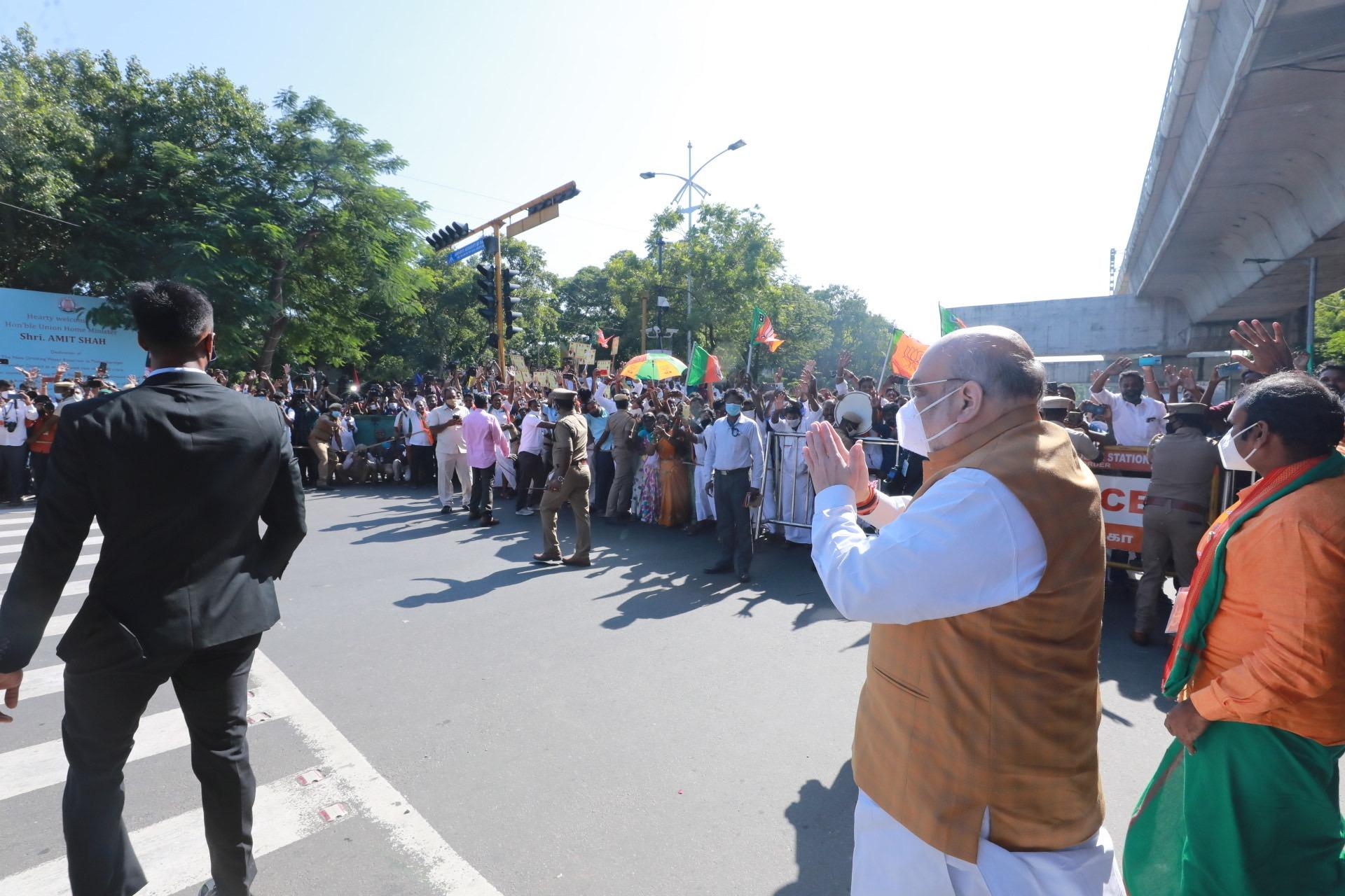 Chennai man throws placard on Amit Shah