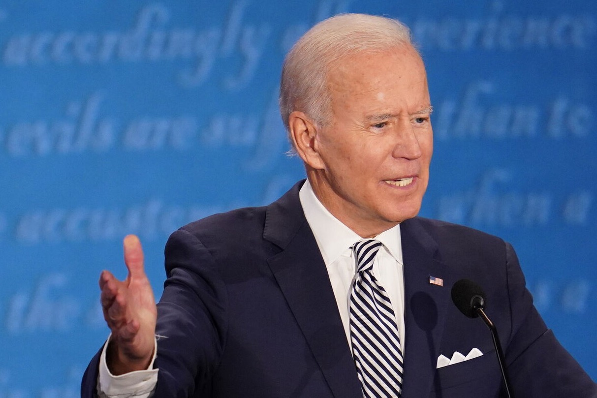 Biden twists ankle while playing with his dog
