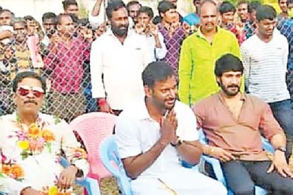 kollywood hero vishal in Krishna dist gudlavalleru