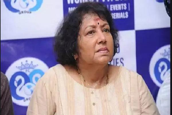 Senior actress Jayanthi on ventilator