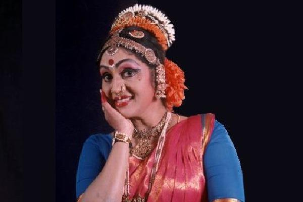 KCR Jagan Chandrababu pays tributes to eminent dancer Shobha Naidu
