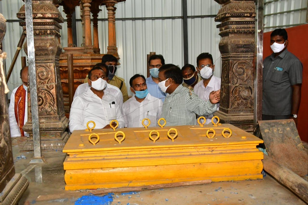 AP Minister Vellampalli reacts over three lions missing incident at Kanakadurga temple