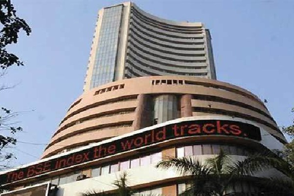 Sensex loses 400 points