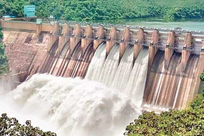AP and Telanagana states chief ministers will be meet on water disputes