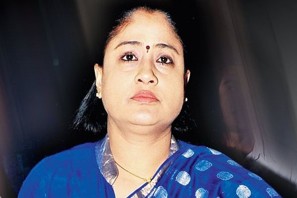 Vijayashanthi response on less voting in GHMC elections