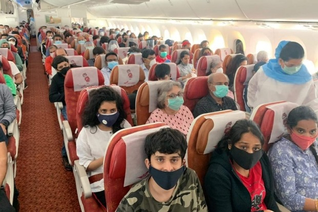 Supreme Court directs Centre leave middle seats empty in planes