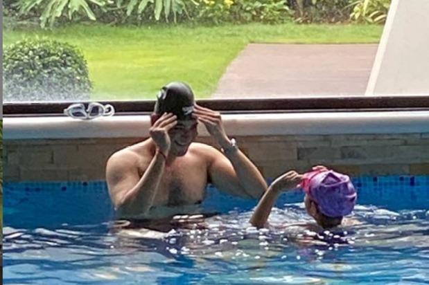 Mahesh Shirtless Pic Posted by Namratha