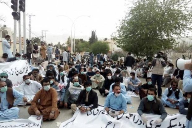 police arrests doctors in pak
