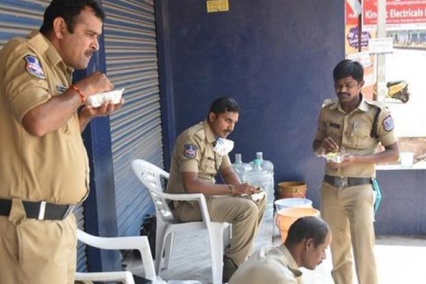 Harish Rao Tweets Police Problums in Lockdown