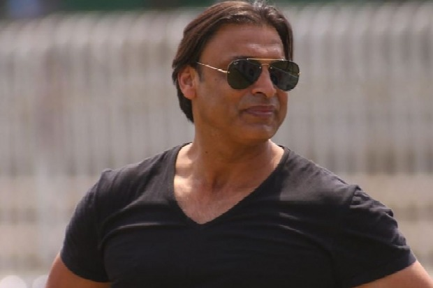 Akhtar says Dhoni should be retire after world cup