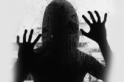 హత్రాస్ అత్యాచార ఘటన: ఆసుపత్రిలో చికిత్స పొందుతూ అత్యాచార..