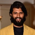 Vijay Devarakonda sensational comments on Vote