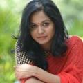 Singer sunitha pays condolences to SP Balu