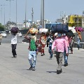 Migrant workers coming back to mumbai