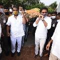 Minister KTR attends Nayini Narsimha Reddy funerals