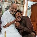 Chiranjeevi greets K Vishwanath on his birthday