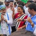 Roja takes part in Vijayasaireddy padayatra and slams Chandrababu