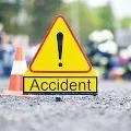 Guntur dist jewellery business men died in car accident in peddapalli