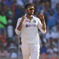 England collapses for 112 runs against India in 3rd test